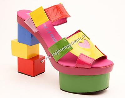 کفش رنگی رنگی