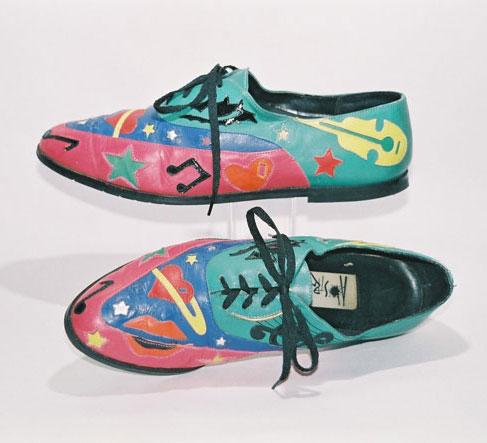 کفش اثر هنری